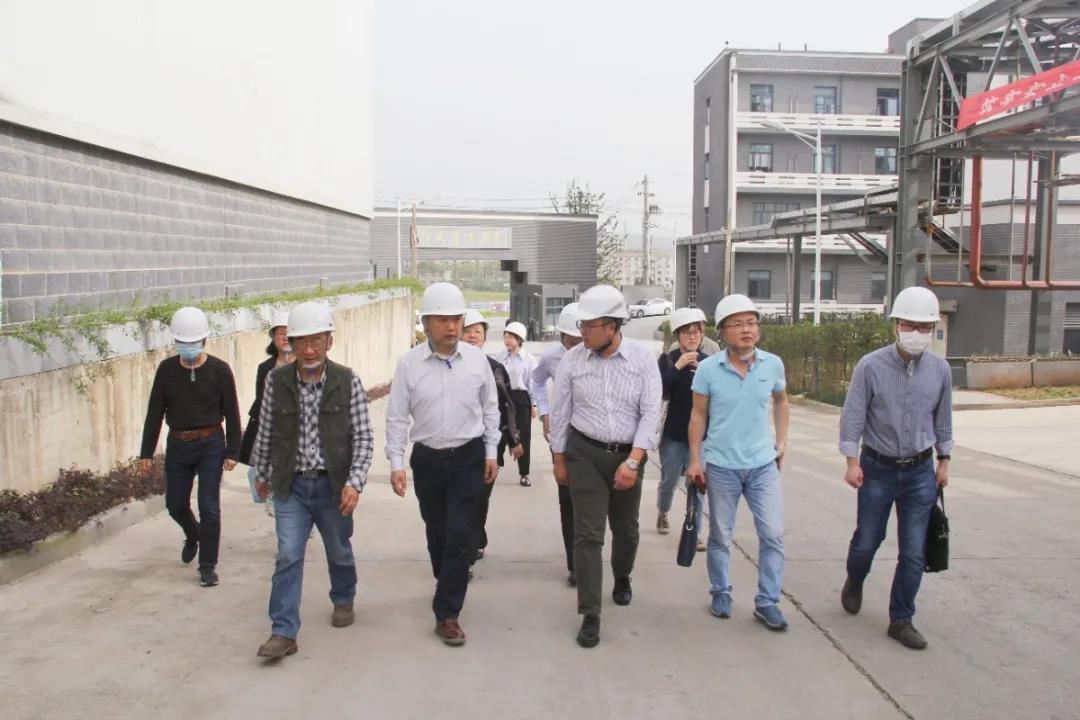 三峡大学水利与环境学院与鑫鼎新能源建立产学研合作