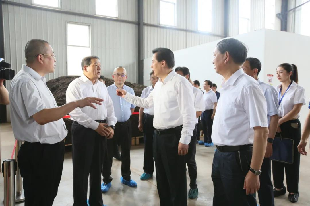 湖北省政协主席黄楚平调研长盛川